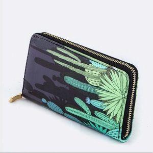 20% OFF 2+🌵 cactus print wallet black green